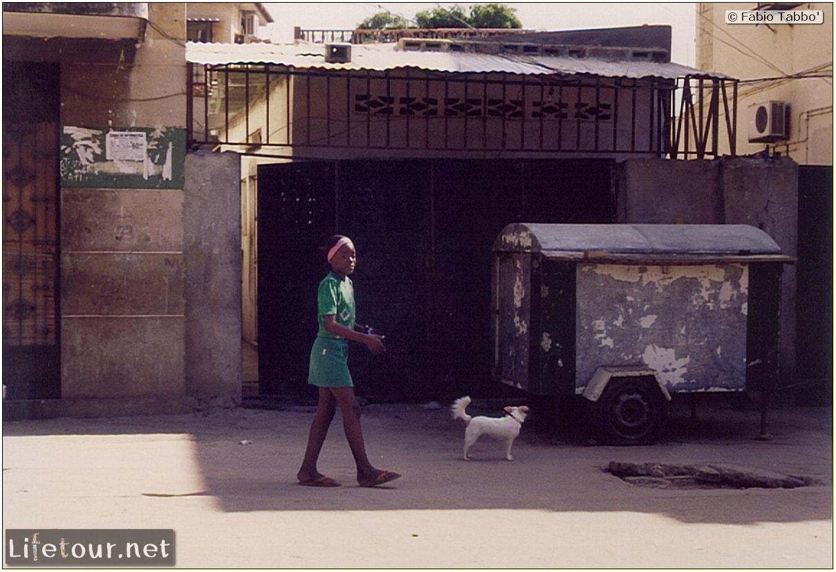 Fabios-LifeTour-Angola-2001-2003-Luanda-Luanda-slums-142