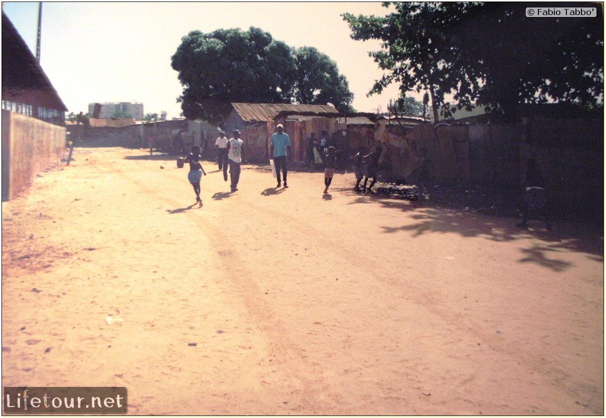 Fabios-LifeTour-Angola-2001-2003-Luanda-Luanda-slums-19735