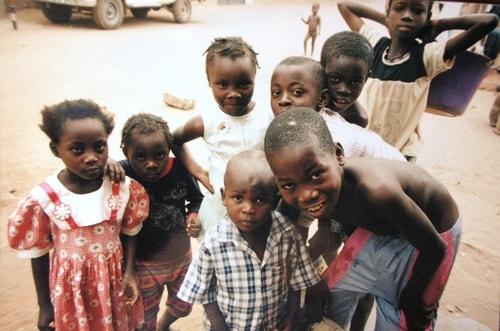 Fabios-LifeTour-Angola-2001-2003-Luanda-Luanda-slums-19773-cover