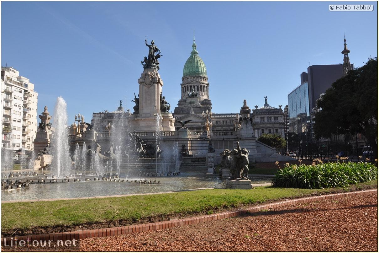 Fabios-LifeTour-Argentina-2015-July-August-buenos-aires-City-Center-Plaza-25-de-Mayo-and-Casa-Rosada-6929