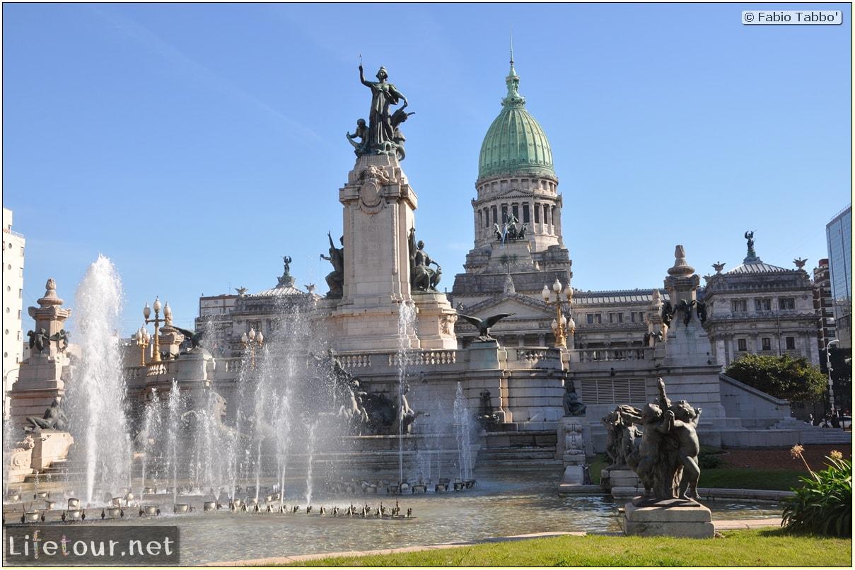 Fabios-LifeTour-Argentina-2015-July-August-buenos-aires-City-Center-Plaza-25-de-Mayo-and-Casa-Rosada-6973