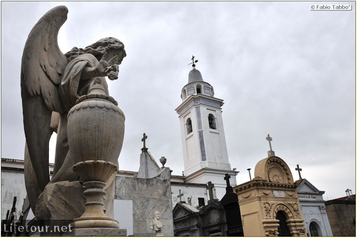 Fabios-LifeTour-Argentina-2015-July-August-buenos-aires-Recoleta-Recoleta-Cemetery-2943-cover-1