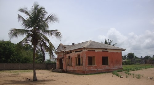 Fabios-LifeTour-Benin-2013-May-Grand-Popo-Comptoirs-Coloniaux-de-Gbecon-ghost-town-1429-cover