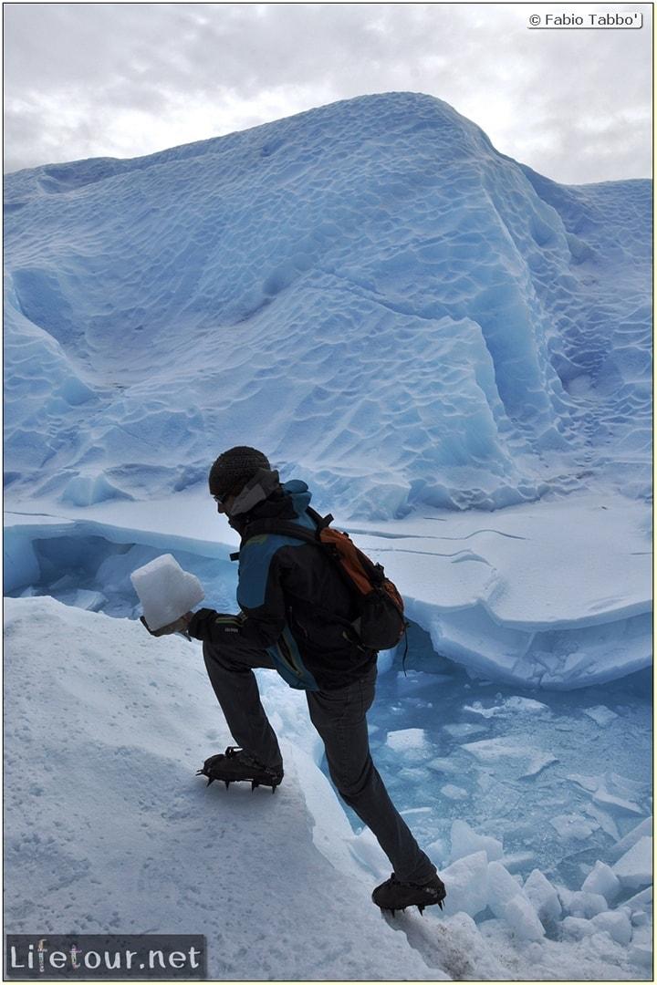 Southern-section-Hielo-y-Aventura-trekking-4-Climbing-the-Perito-Moreno-glacier-46