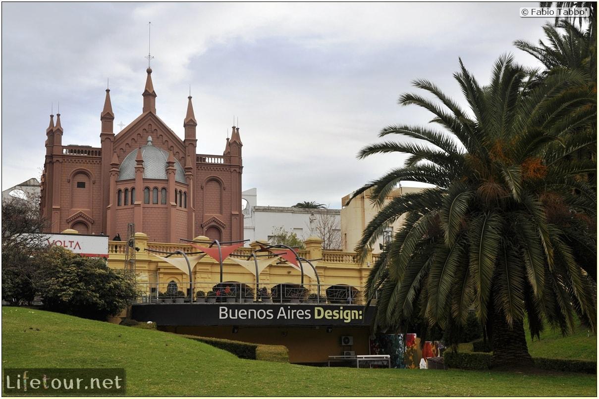 buenos-aires-Recoleta-Centro-Cultural-Recoleta-and-Museo-Nacional-de-Bellas-Artes-962
