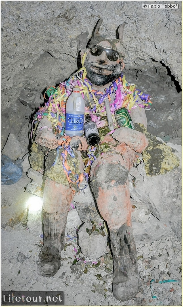 Fabio_s-LifeTour---Bolivia-(2015-March)---Potosi---mine---2.-Inside-the-mine-(welcome-to-hell)---4878-cover