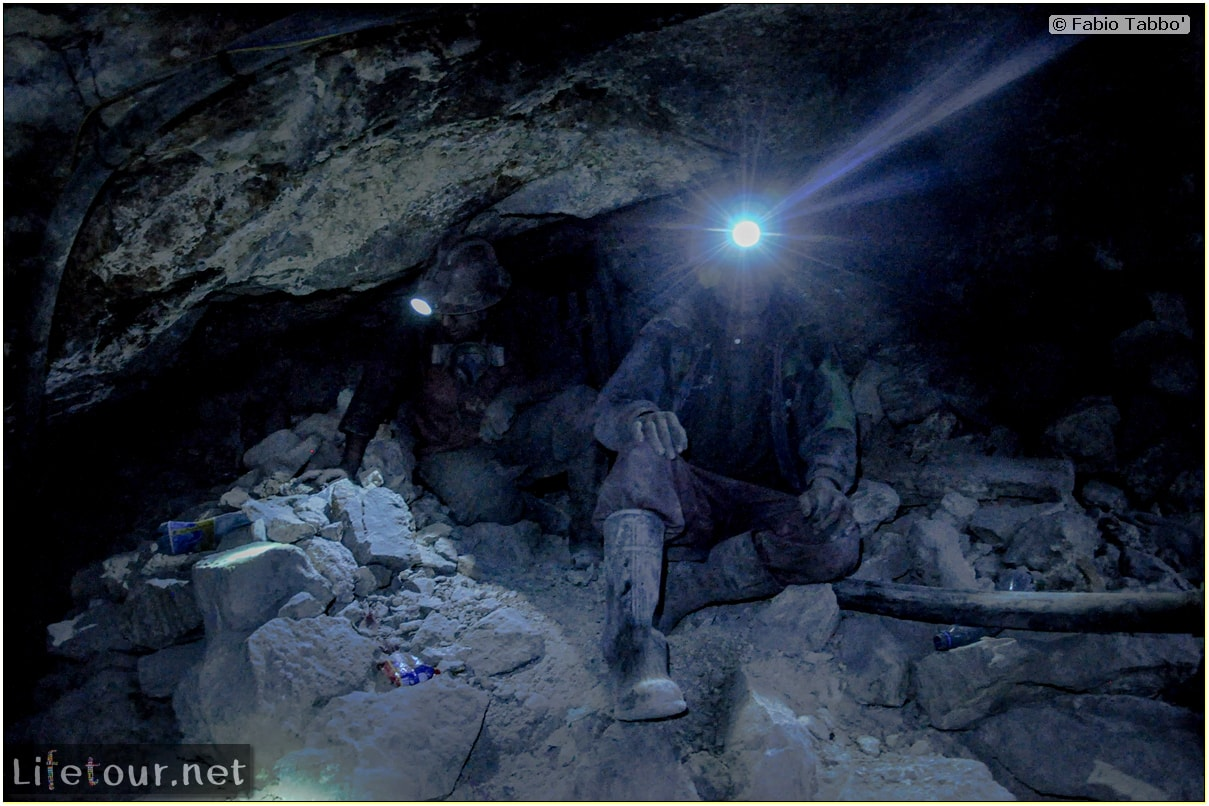 Fabio_s-LifeTour---Bolivia-(2015-March)---Potosi---mine---2.-Inside-the-mine-(welcome-to-hell)---5134
