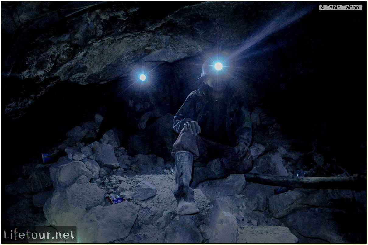 Fabio_s-LifeTour---Bolivia-(2015-March)---Potosi---mine---2.-Inside-the-mine-(welcome-to-hell)---5178-cover