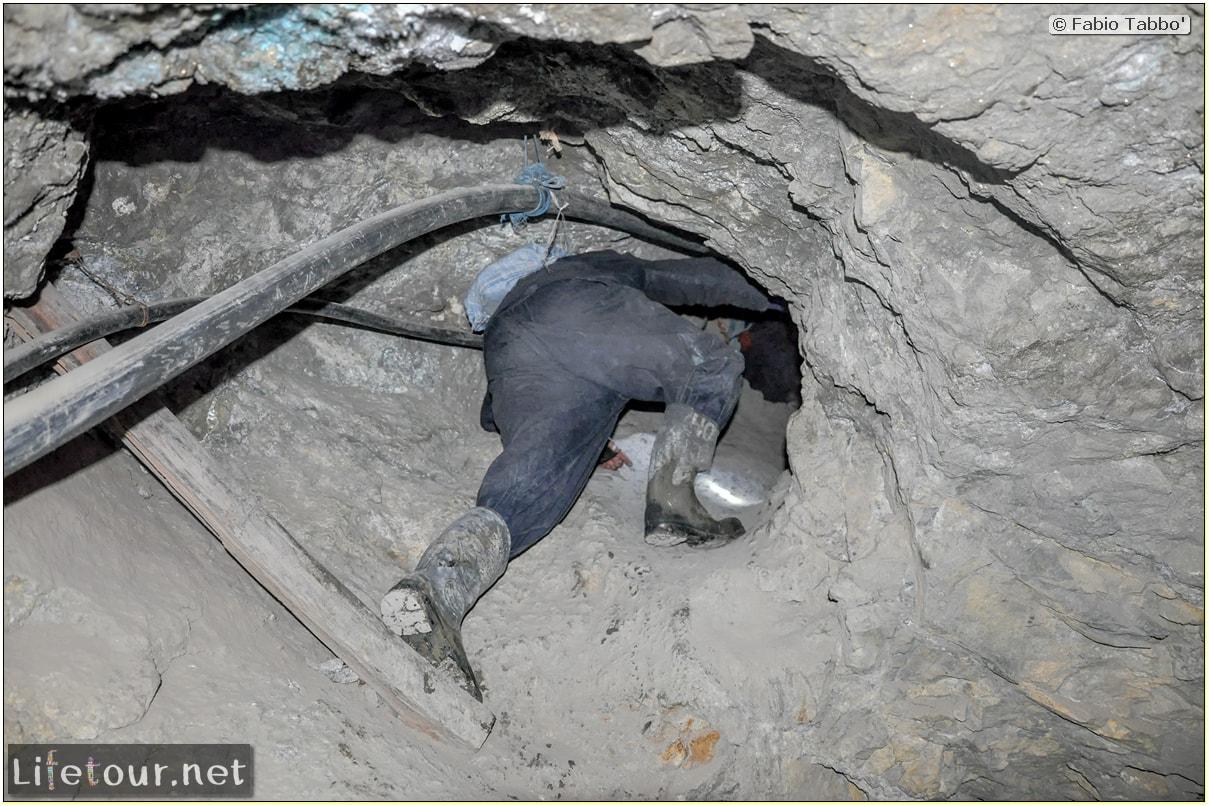Fabio_s-LifeTour---Bolivia-(2015-March)---Potosi---mine---2.-Inside-the-mine-(welcome-to-hell)---5465