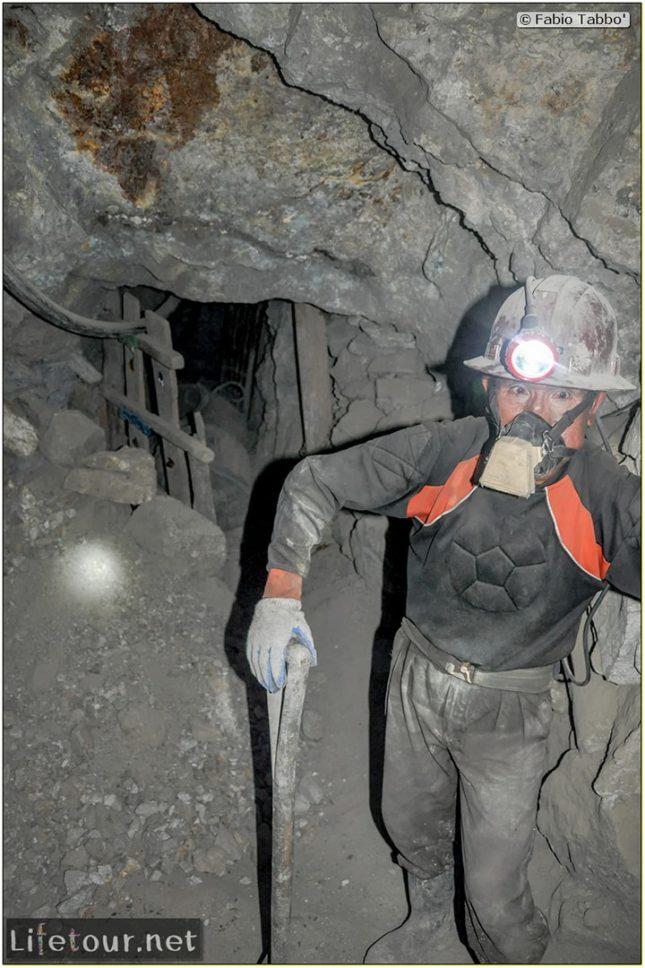 Fabio_s-LifeTour---Bolivia-(2015-March)---Potosi---mine---2.-Inside-the-mine-(welcome-to-hell)---6598