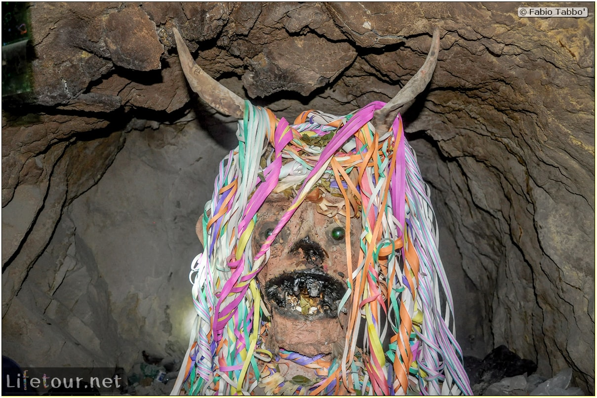 Fabio_s-LifeTour---Bolivia-(2015-March)---Potosi---mine---2.-Inside-the-mine-(welcome-to-hell)---7258-cover