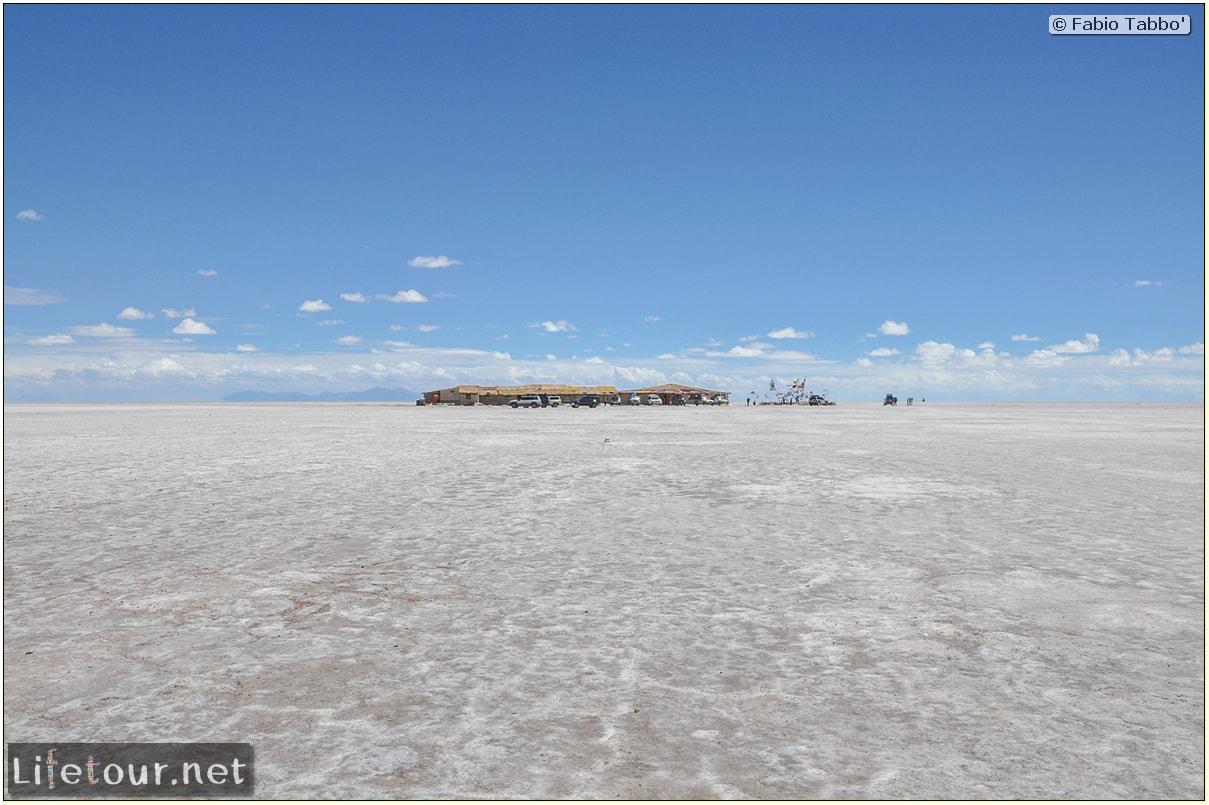 Fabio_s-LifeTour---Bolivia-(2015-March)---Ujuni---Salar-de-Ujuni---2--Paris-Dakar-refuge---8897-cover
