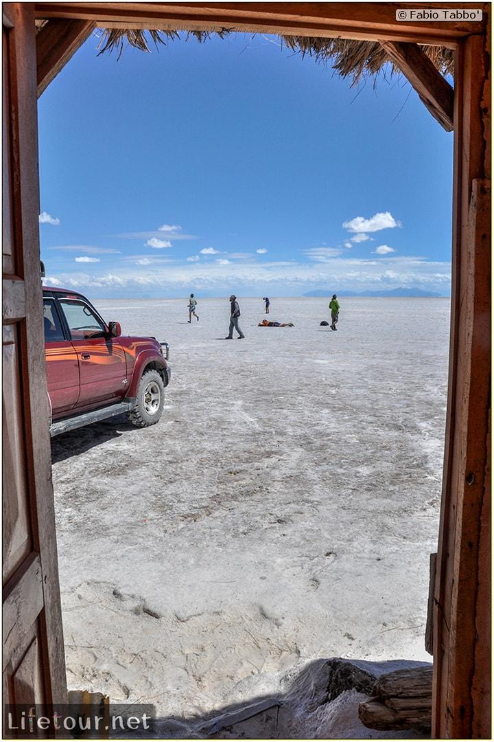 Fabio_s-LifeTour---Bolivia-(2015-March)---Ujuni---Salar-de-Ujuni---2--Paris-Dakar-refuge---9790-cover