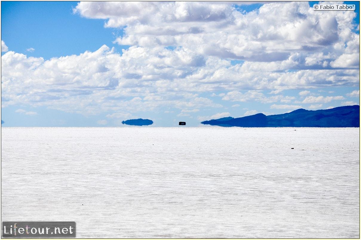 Fabio_s-LifeTour---Bolivia-(2015-March)---Ujuni---Salar-de-Ujuni---3--erratic-trekking---10109