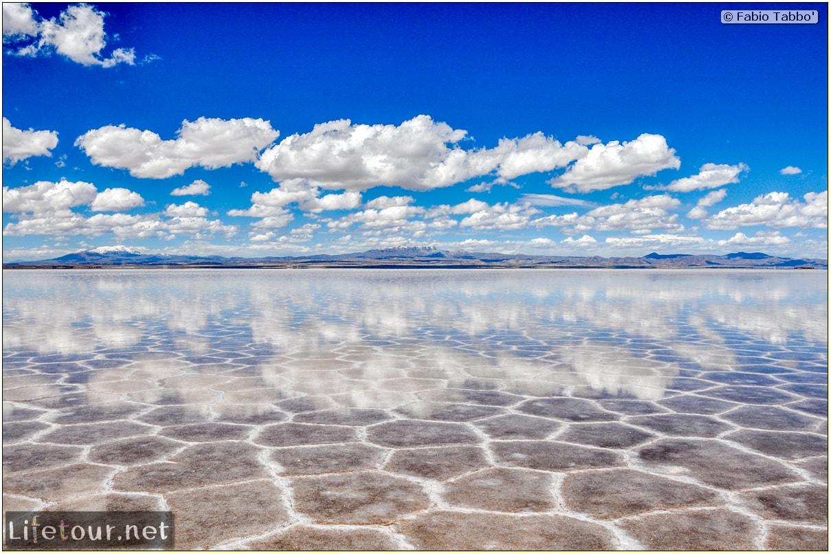 Fabio_s-LifeTour---Bolivia-(2015-March)---Ujuni---Salar-de-Ujuni---3--erratic-trekking---10820