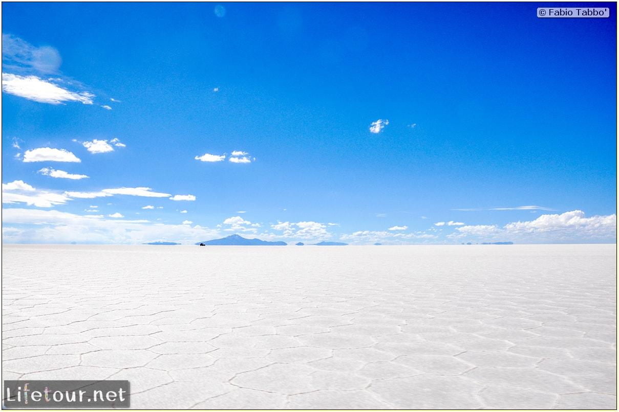 Fabio_s-LifeTour---Bolivia-(2015-March)---Ujuni---Salar-de-Ujuni---3--erratic-trekking---11049