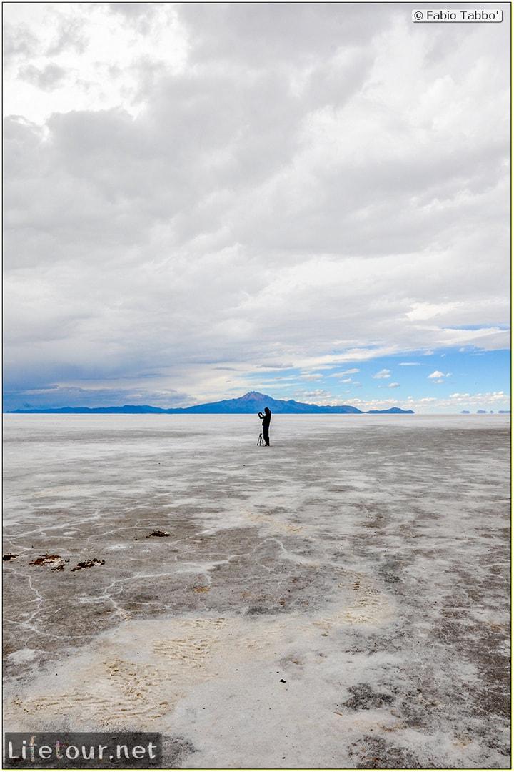 Fabio_s-LifeTour---Bolivia-(2015-March)---Ujuni---Salar-de-Ujuni---3--erratic-trekking---12040