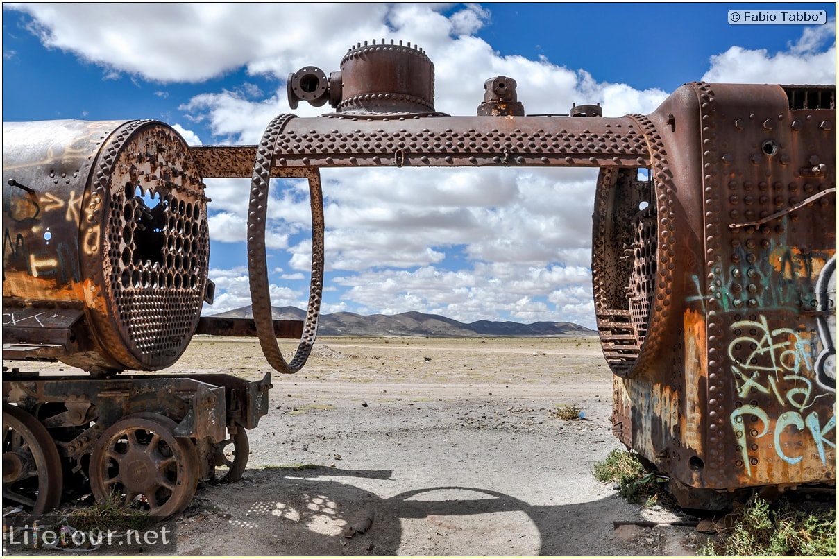 Fabio_s-LifeTour---Bolivia-(2015-March)---Ujuni---Ujuni-Train-Graveyard---2888