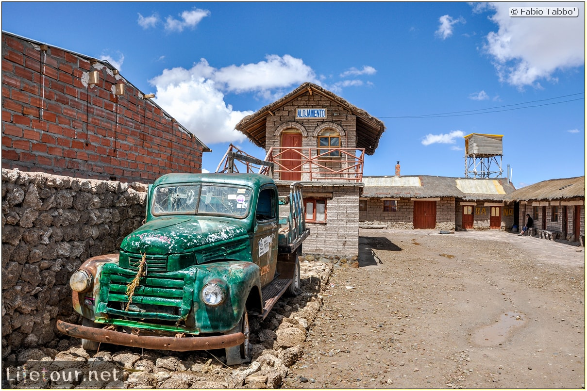 Fabio_s-LifeTour---Bolivia-(2015-March)---Ujuni---city---4877-cover