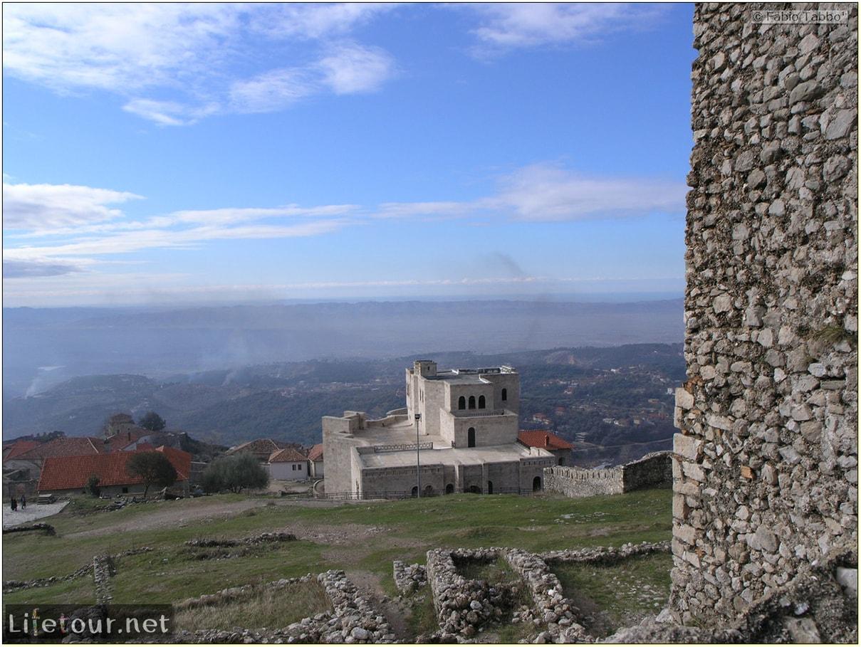 Fabios-LifeTour-Albania-2005-August-Kruja-Skenderbeu-castle-20427-1