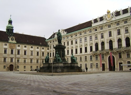 Fabios-LifeTour-Austria-1984-and-2009-January-Vienna-other-pictures-of-Vienna-City-Center-422-cover