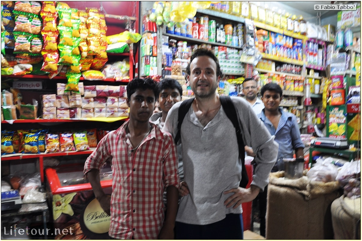 Fabios-LifeTour-Bangladesh-2014-May-Dacca-Night-markets-7499