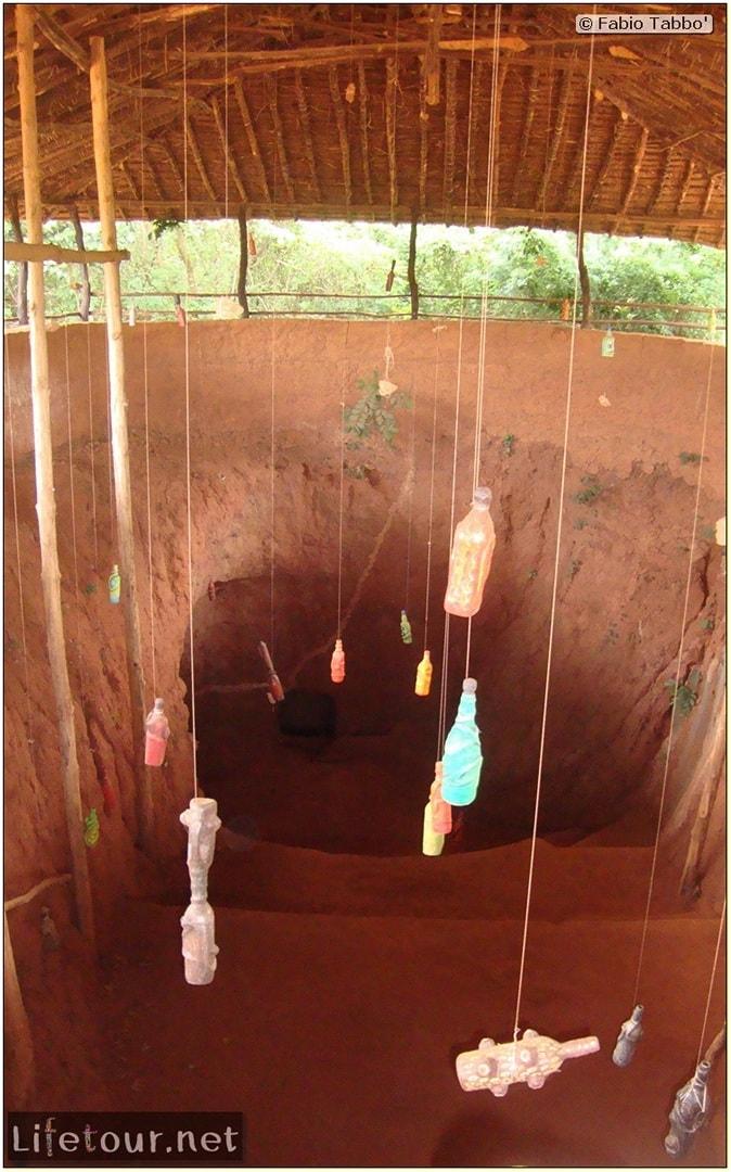 Fabio's LifeTour - Benin (2013 May) - Abomey - Bohicon subterranean village - 1544