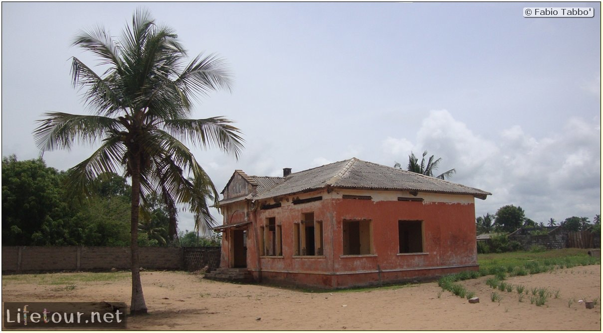 Fabio's LifeTour - Benin (2013 May) - Grand Popo - Comptoirs Coloniaux de Gbecon (ghost town) - 1429 cover