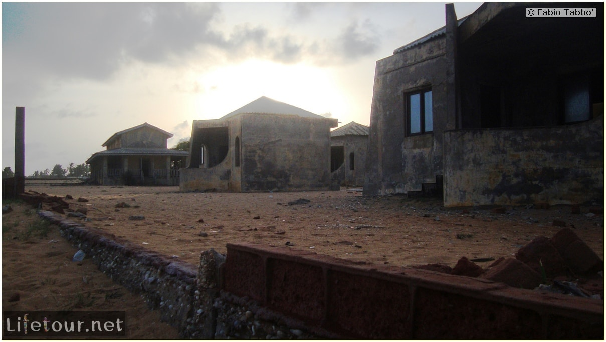 Fabios-LifeTour-Benin-2013-May-Ouidah-Porte-du-Non-Retour-1451