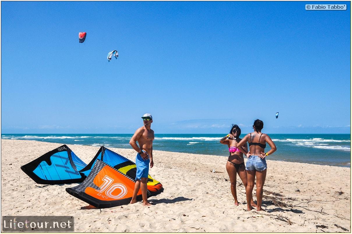 Fabio's LifeTour - Brazil (2015 April-June and October) - Fortaleza - Kite-surfing Beach cofeco - 3857