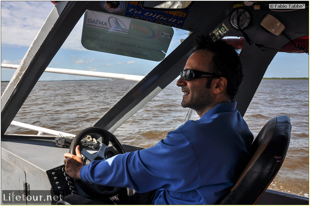 Fabio's LifeTour - Brazil (2015 April-June and October) - Manaus - Amazon Jungle - Driving a motorboat on the Amazon river - 8983