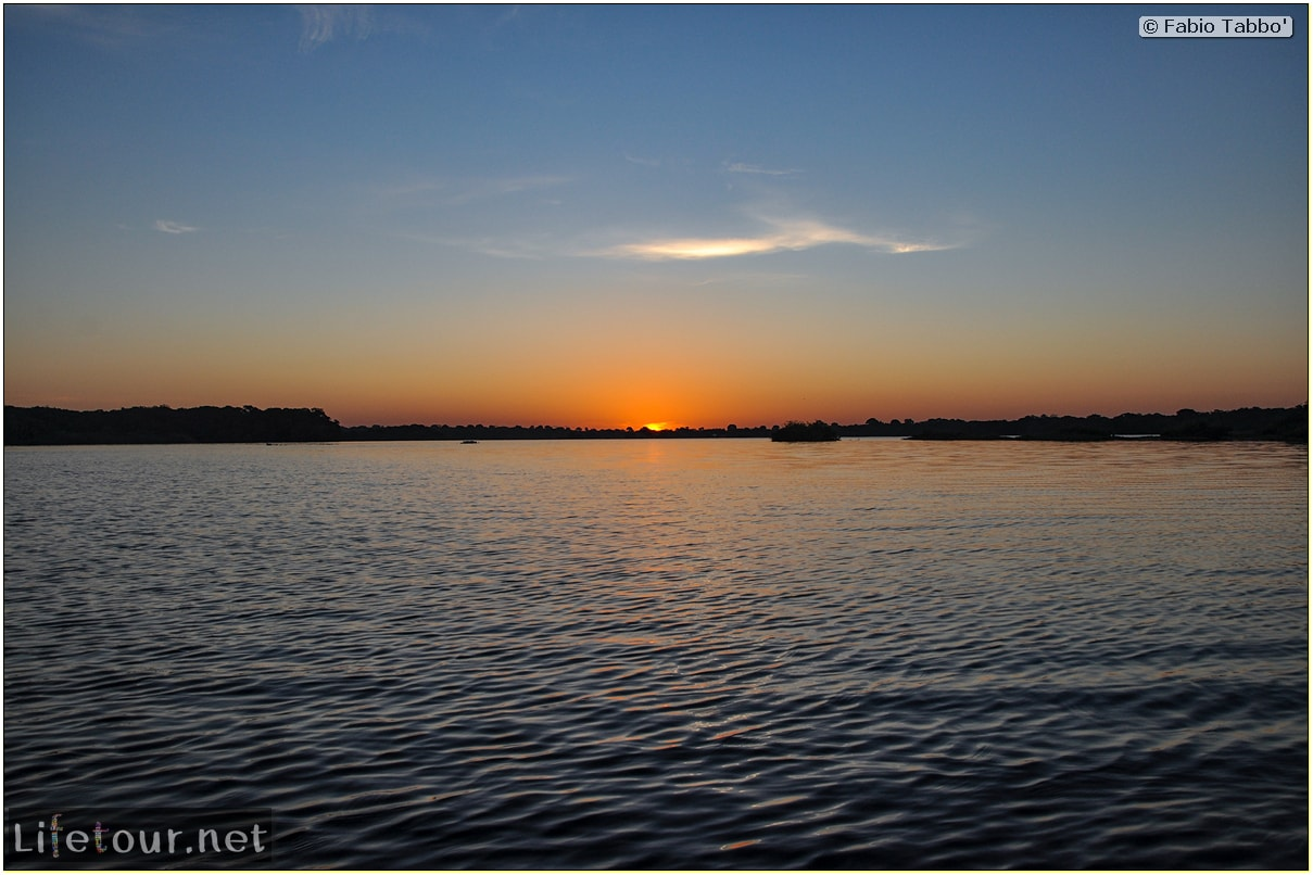 Fabio's LifeTour - Brazil (2015 April-June and October) - Manaus - Amazon Jungle - Sunrise on the Amazon - 10184