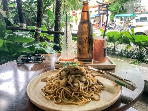Fabio_s-LifeTour---Cambodia-(2017-July-August)---Phnom-Penh---Restaurants---95-Degrees-restaurant---18301-cover
