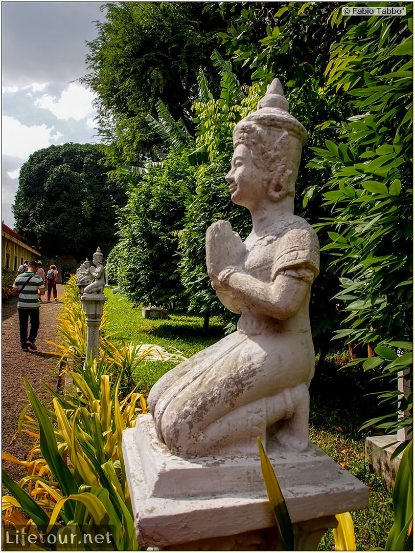 Fabio_s-LifeTour---Cambodia-(2017-July-August)---Phnom-Penh---Royal-Palace---Interior---20059