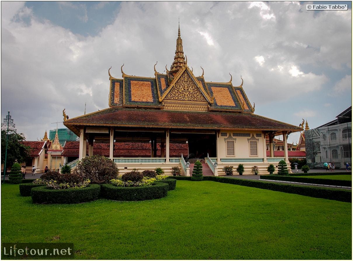 Fabio_s-LifeTour---Cambodia-(2017-July-August)---Phnom-Penh---Royal-Palace---Interior---20061