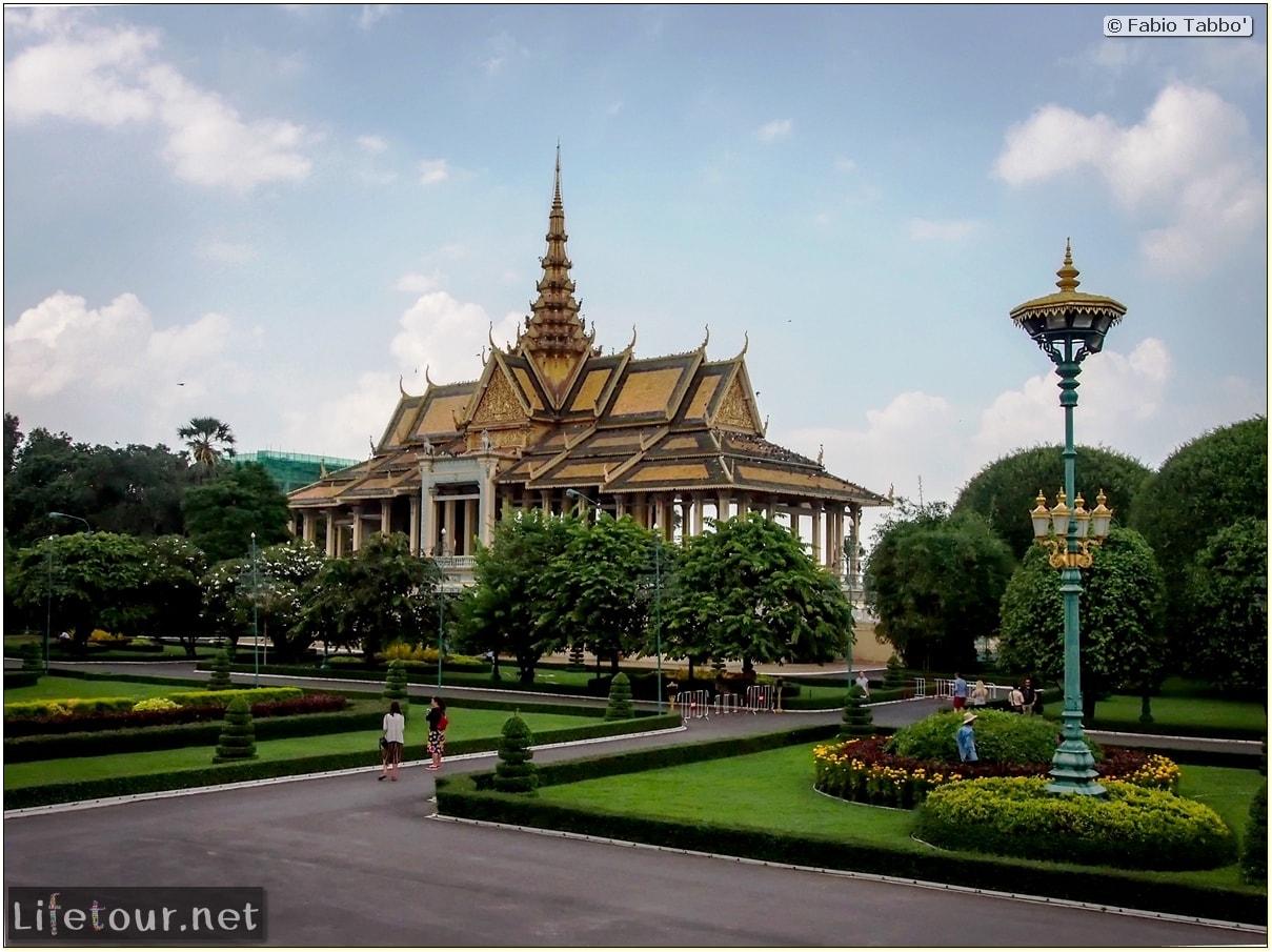 Fabio_s-LifeTour---Cambodia-(2017-July-August)---Phnom-Penh---Royal-Palace---Interior---20075
