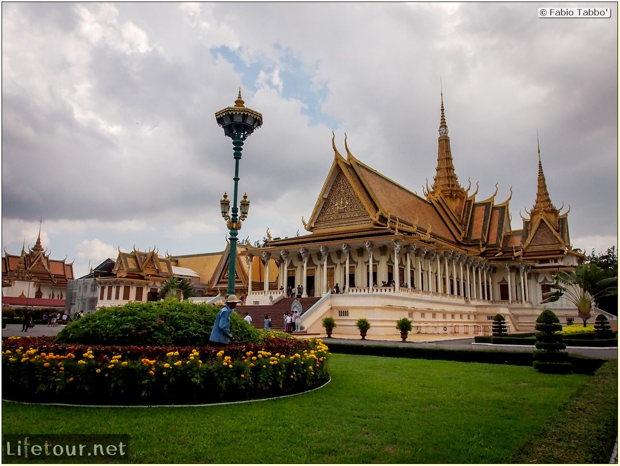Fabio_s-LifeTour---Cambodia-(2017-July-August)---Phnom-Penh---Royal-Palace---Interior---20083