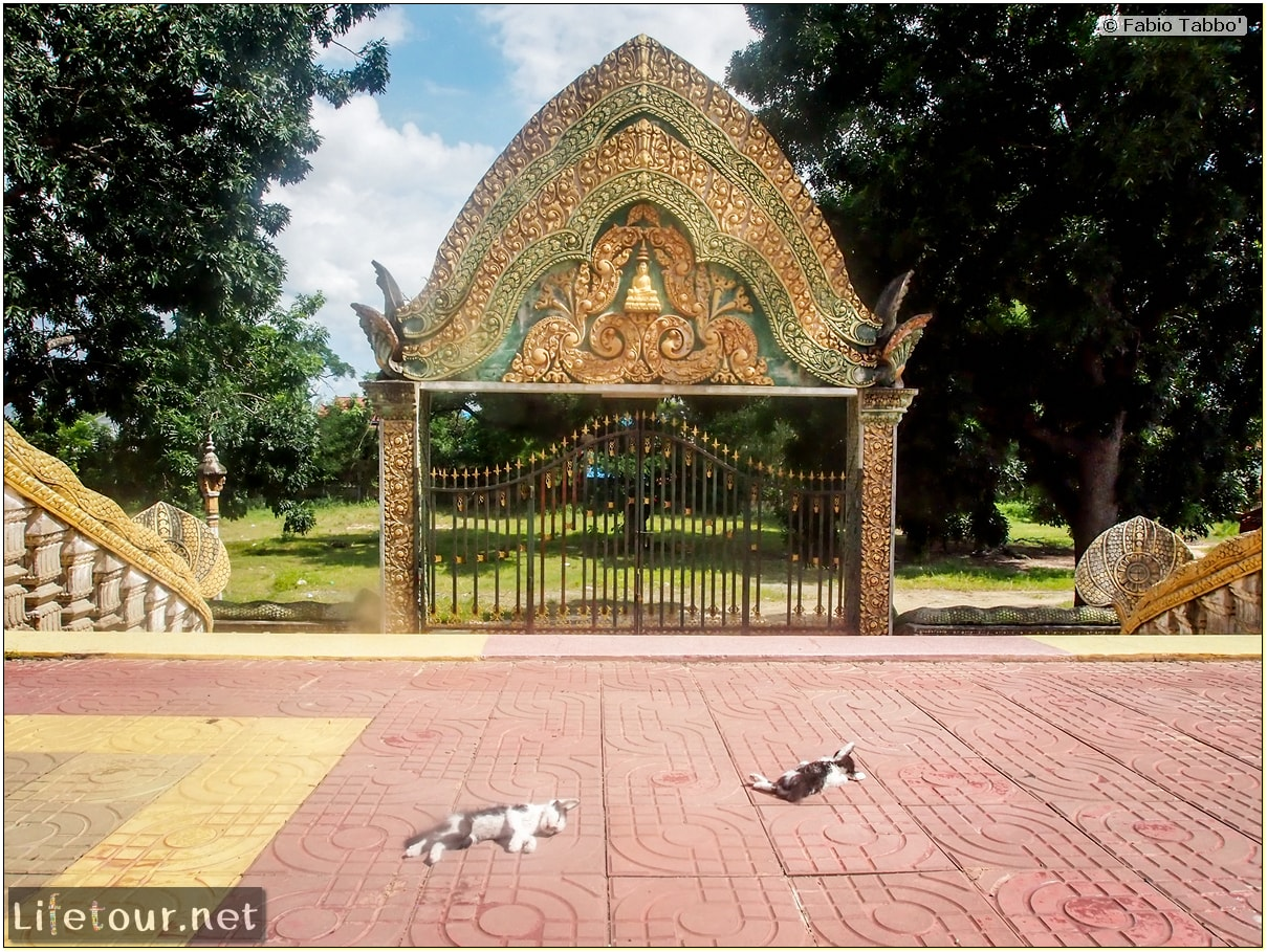 Fabio_s-LifeTour---Cambodia-(2017-July-August)---Phnom-Penh---Wat-Choeung-Ek-(Choeung-Ek-Pagoda)---20162