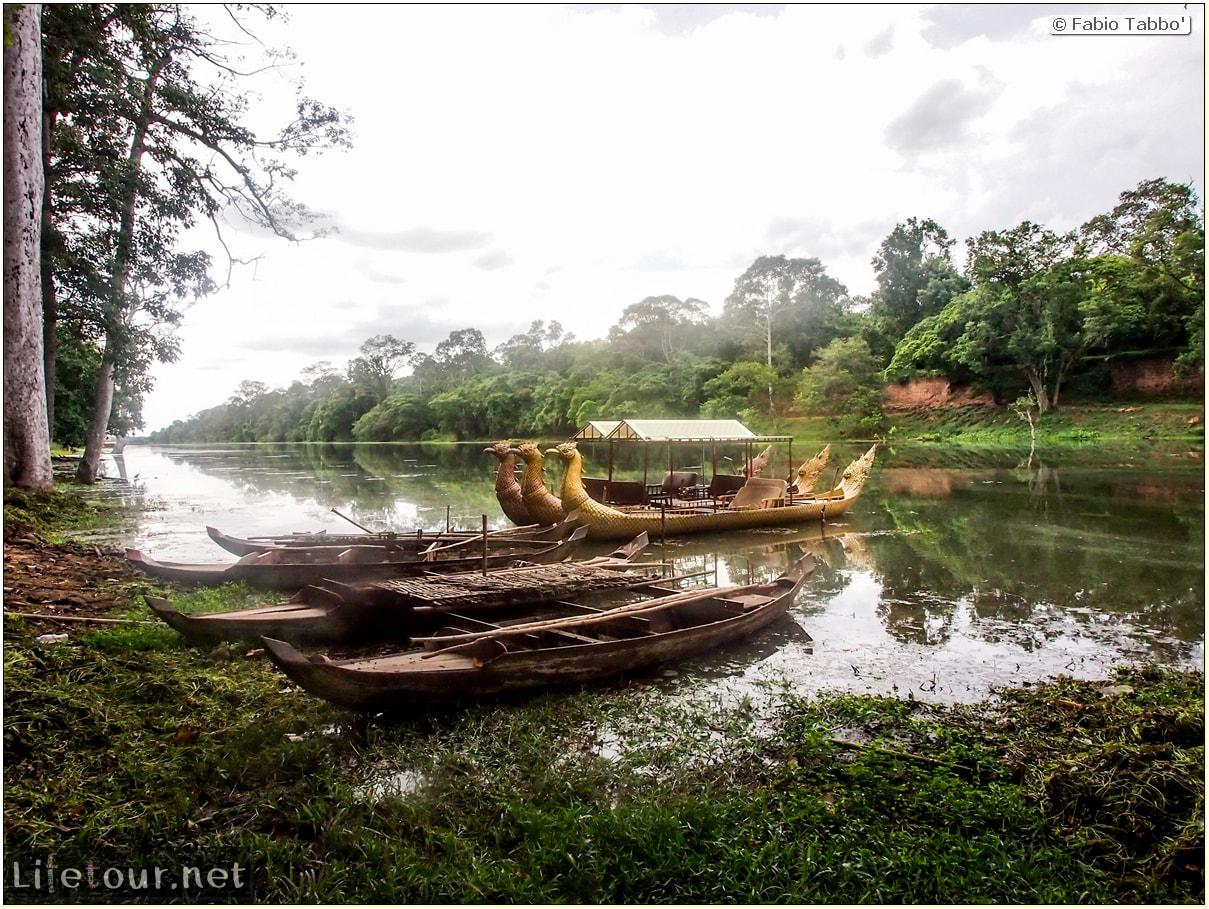 Fabio_s-LifeTour---Cambodia-(2017-July-August)---Siem-Reap-(Angkor)---Angkor-temples---Angkor-Thom-south-gate-bridge---20285-cover