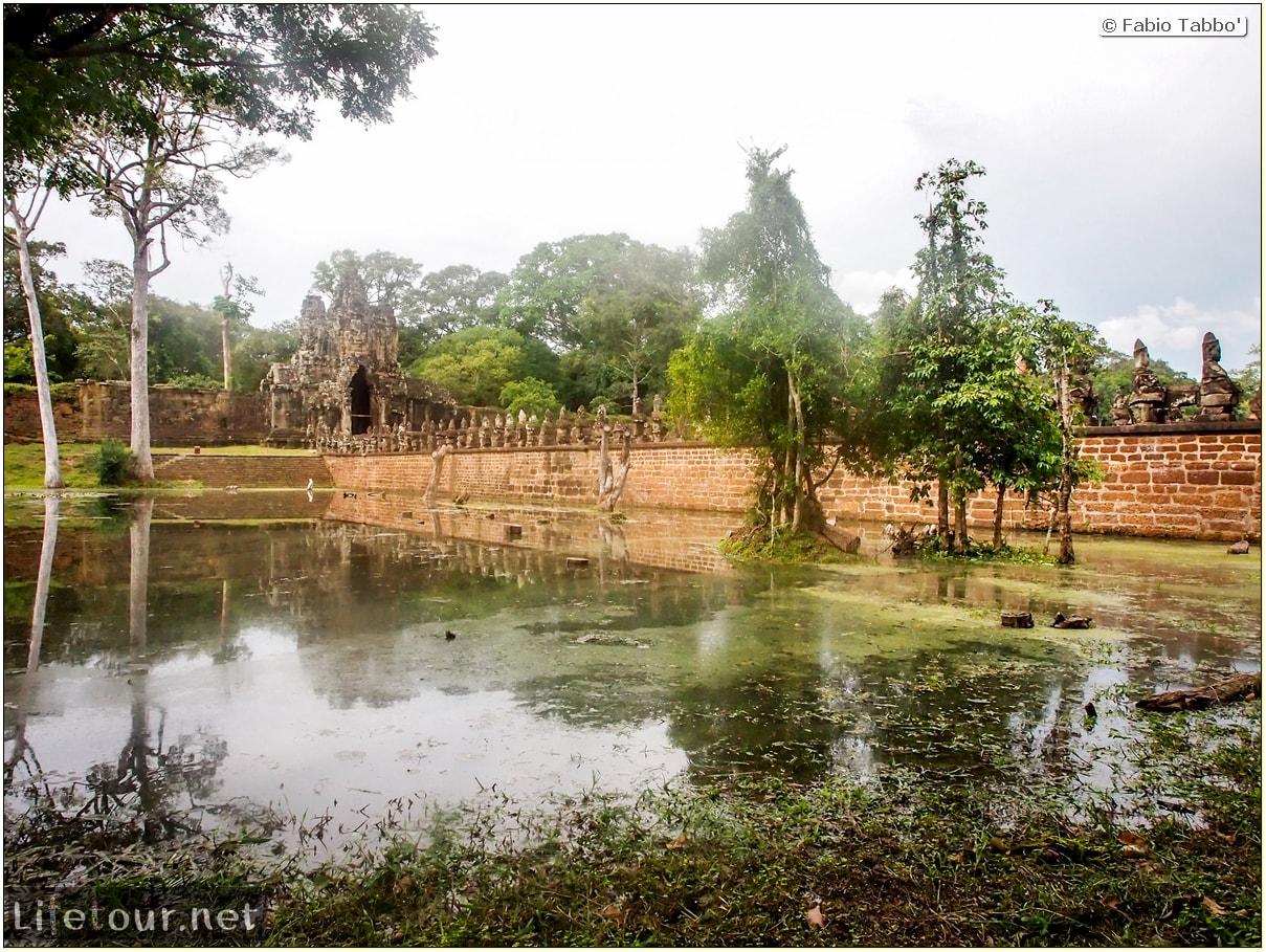 Fabio_s-LifeTour---Cambodia-(2017-July-August)---Siem-Reap-(Angkor)---Angkor-temples---Angkor-Thom-south-gate-bridge---20286