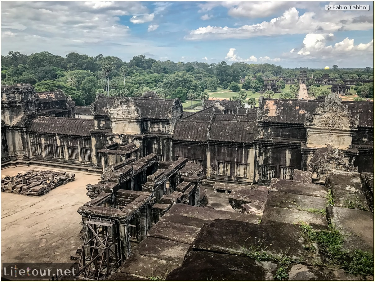 Fabio_s-LifeTour---Cambodia-(2017-July-August)---Siem-Reap-(Angkor)---Angkor-temples---Angkor-Wat---Bakan-temple---18572