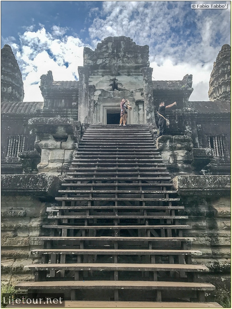 Fabio_s-LifeTour---Cambodia-(2017-July-August)---Siem-Reap-(Angkor)---Angkor-temples---Angkor-Wat---Other-pictures-Angkor-Wat---18555-cover