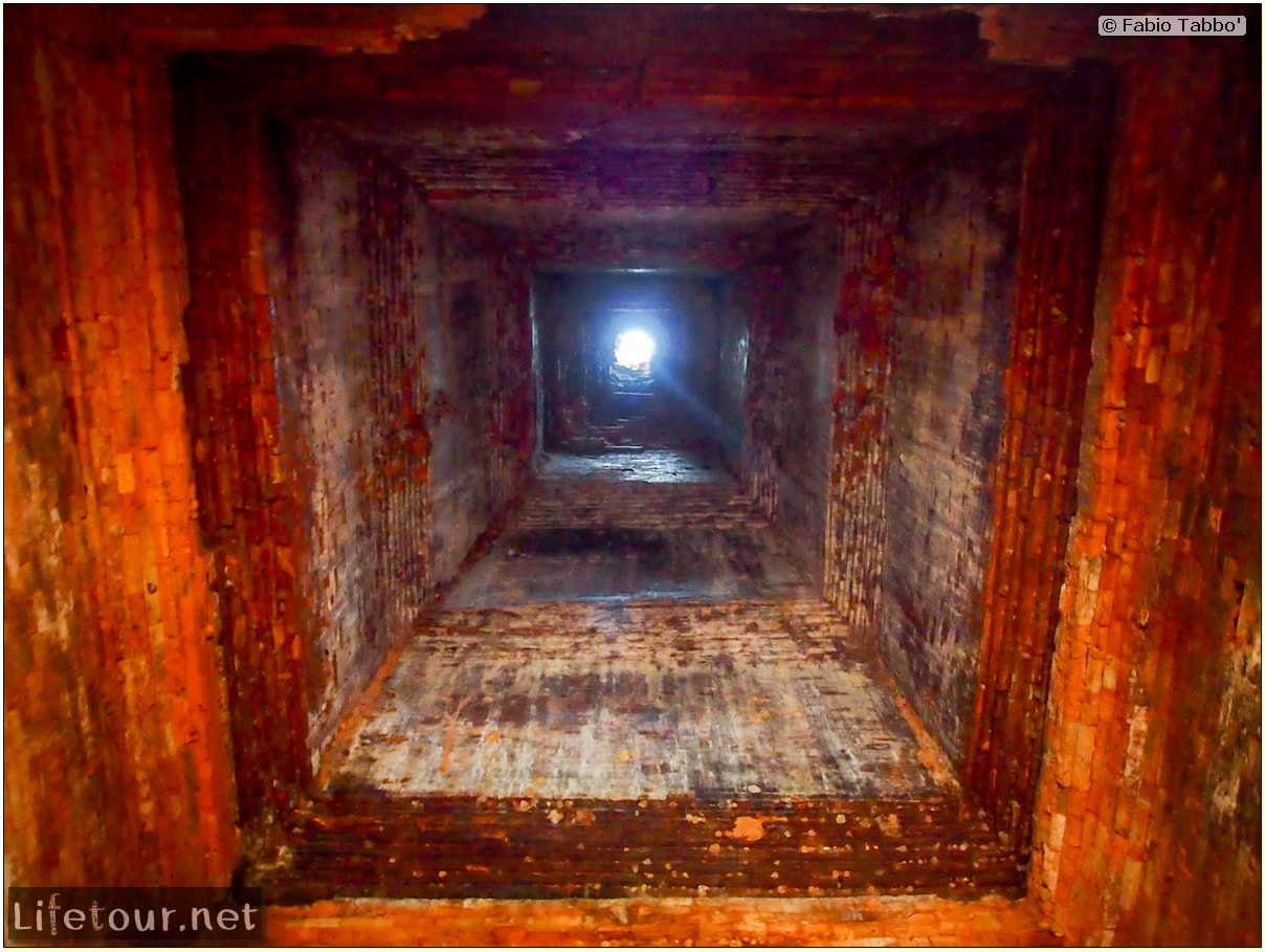 Fabio_s-LifeTour---Cambodia-(2017-July-August)---Siem-Reap-(Angkor)---Angkor-temples---Baksei-Chamkrong-temple---20294
