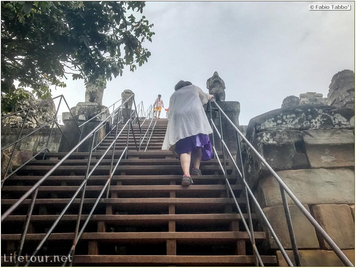Fabio_s-LifeTour---Cambodia-(2017-July-August)---Siem-Reap-(Angkor)---Angkor-temples---Phnom-Bakheng-temple---18637