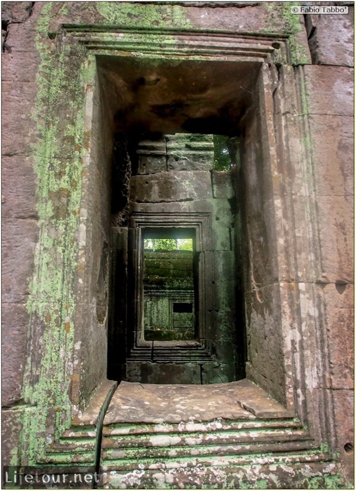 Fabio_s-LifeTour---Cambodia-(2017-July-August)---Siem-Reap-(Angkor)---Angkor-temples---Ta-Prohm-temple---20252