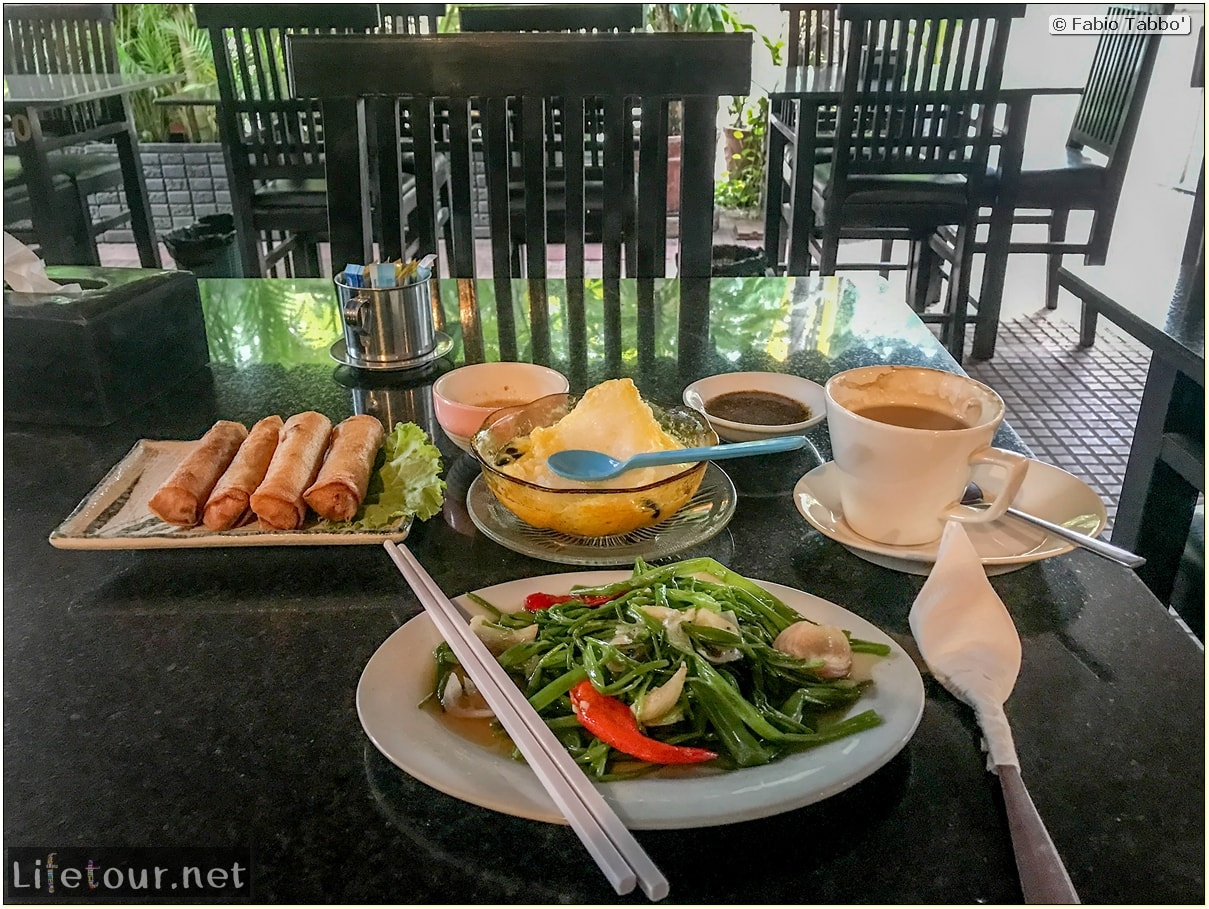 Fabio_s-LifeTour---Cambodia-(2017-July-August)---Siem-Reap-(Angkor)---Restaurants---Moloppor-Cafe---18527-cover