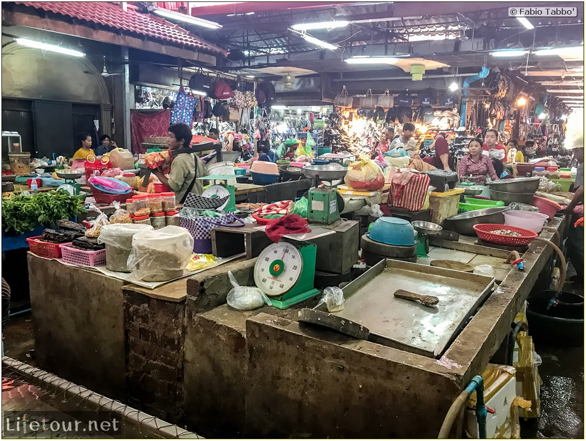 Fabio_s-LifeTour---Cambodia-(2017-July-August)---Siem-Reap-(Angkor)---Shops---Psar-Chas-(Old-Market)---18510-cover