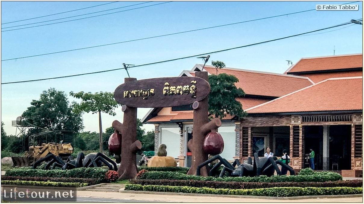 Fabio_s-LifeTour---Cambodia-(2017-July-August)---Skun---Skun-market-restaurant---18377
