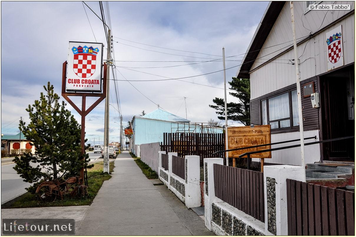 Fabio_s-LifeTour---Chile-(2015-September)---Porvenir---Tierra-del-Fuego---Porvenir-city---Parque-Croata---7250