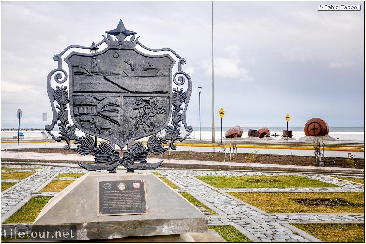 Fabio_s-LifeTour---Chile-(2015-September)---Punta-Arenas---Plaza-Fundacional-(waterfront)---4783